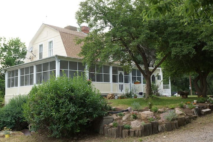 Idyllic, Restored 1890's Farmhouse - Boulder - Ev