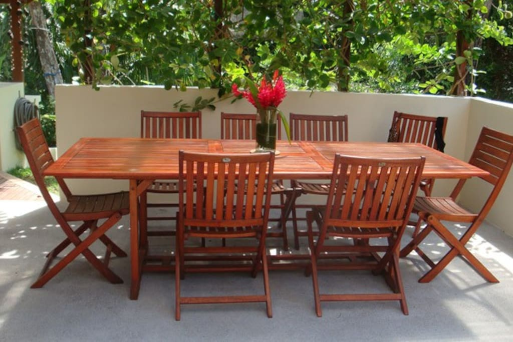 Outdoor Dining Table!