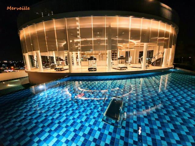 Prestige Luminari Seaview Suite by Merveille