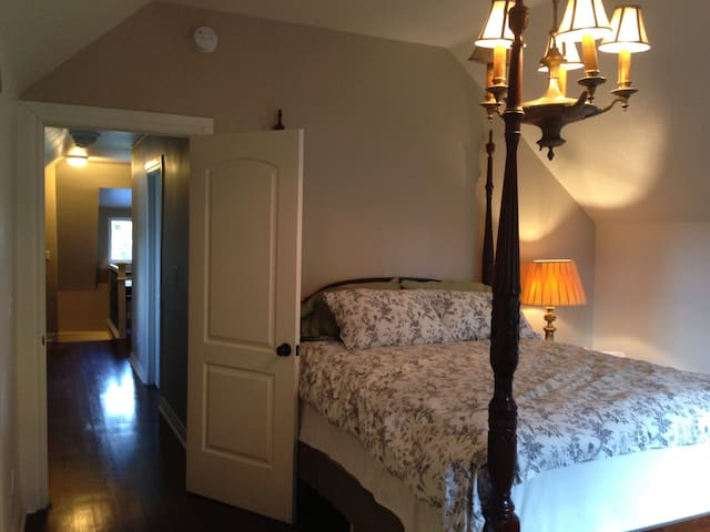 Historic 1893 Updated Home - 31 day Min Stay