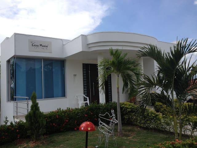 Alquiler Casa Condominio Hacienda la Estancia - Carmen Apicala - Hus