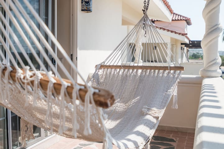 Relaxing Villa + Pool + Bar