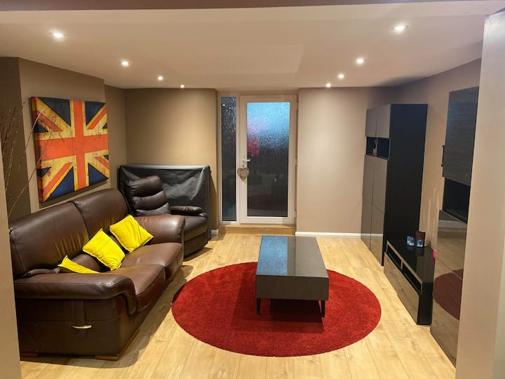 Your home in the town centre for your stay