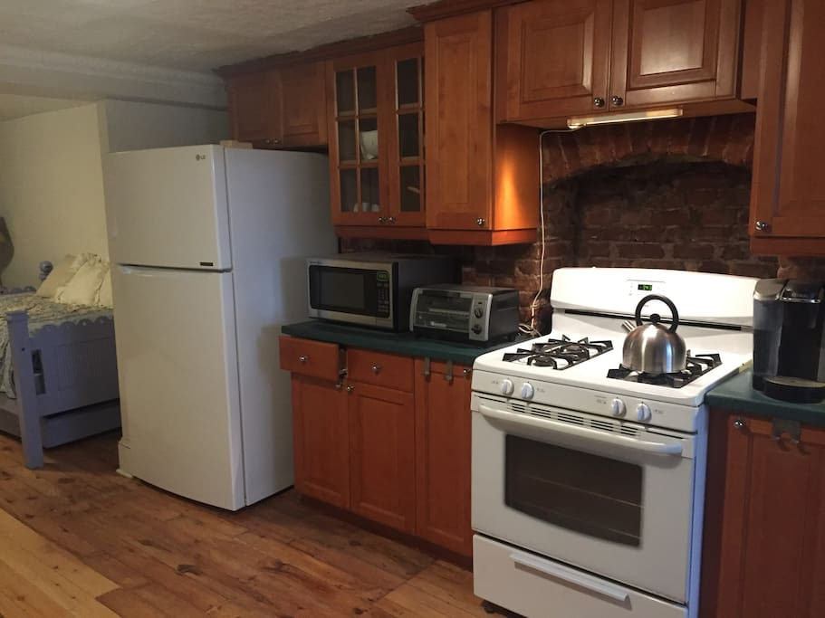 A full service kitchen if you like to cook .