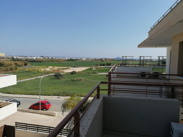 Entire New Apartment twelve min walking from beach