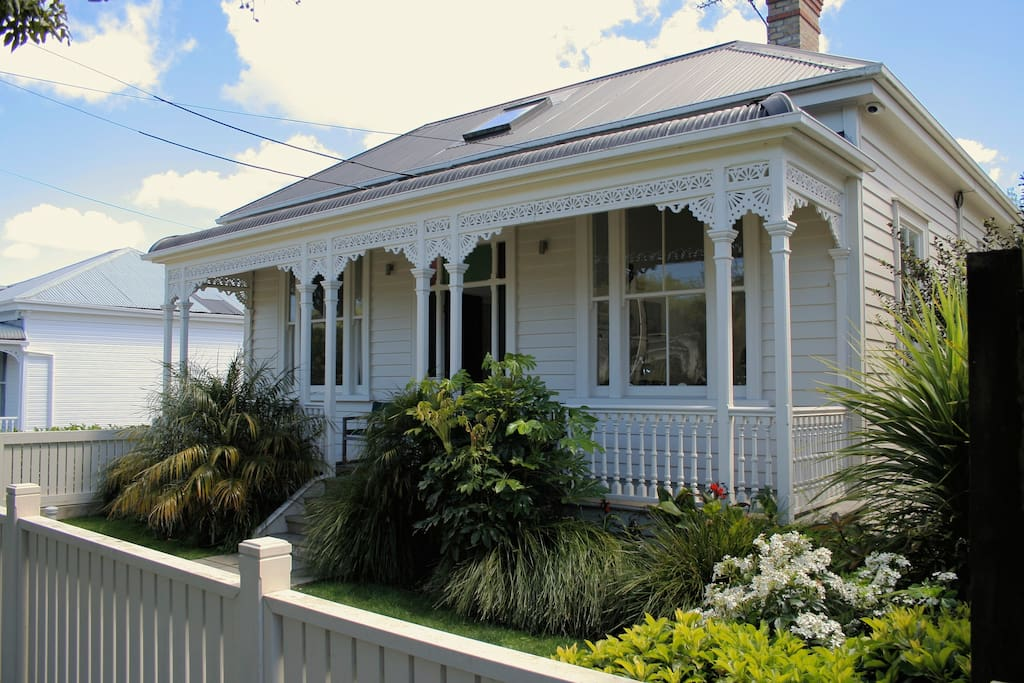 An old 1910 renovated Villa  with 2 car off street parking