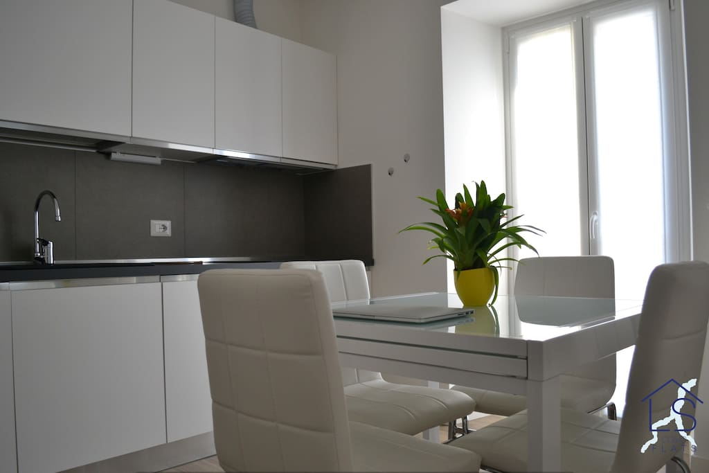 "In ""Lovely Flat"" everything is designed for our guests - In ""Lovely Flat"" tutto è pensato per i nostri ospiti."