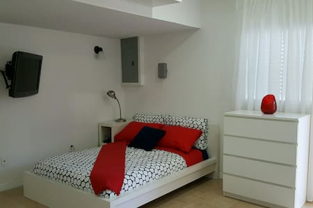 Modern Studio Apartment For Rent - Miami