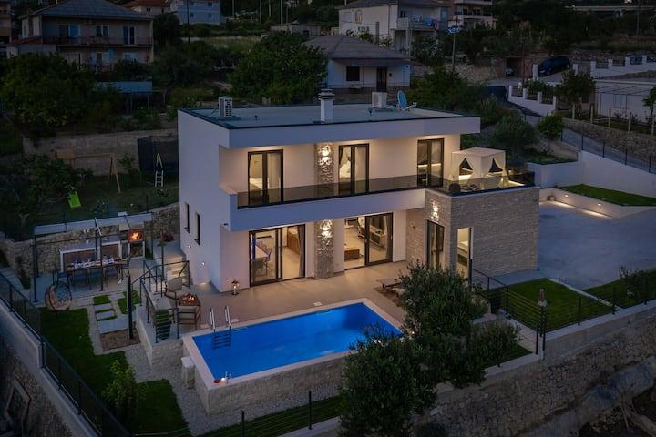 Villa La Familia