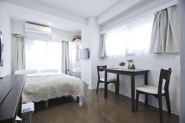 Stunning Location, Clean and Bright #2 - Minato-ku - Appartement