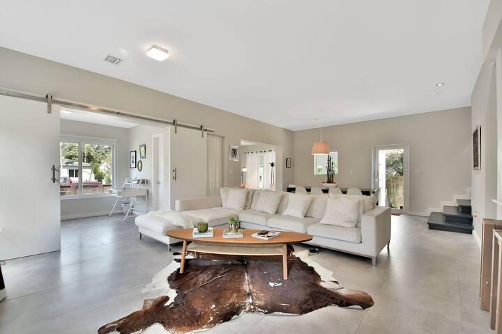 Sparking Clean - Brickell Villa luxury Stay!