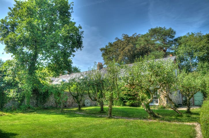 Beautiful historic country house, nr Honiton Devon
