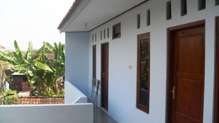 Logement d'Eiffel - Surakarta - House