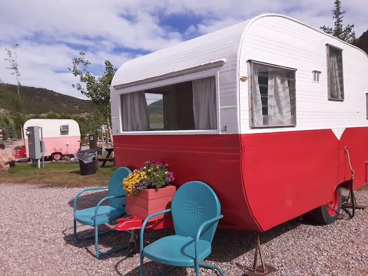 RUBY (1950's retro camper)