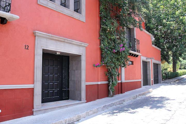 Casa Allamanda y Jardín (7 recamaras, 7.5 baños)