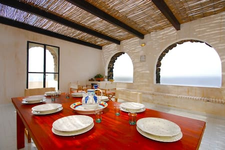 Villa Cesco, Dammuso frontemare - Pantelleria