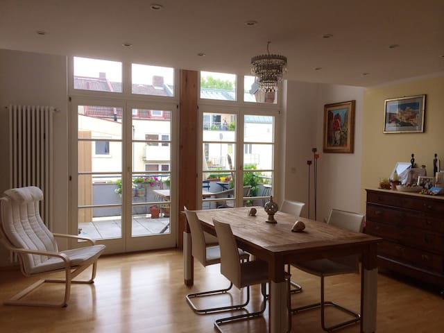 3.5 rooms near the river Isar  - Munich - Flat