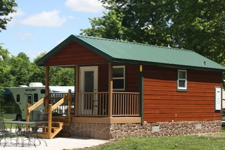 Beautiful Cabin With Great Outdoor Space - Springfield - Cabin