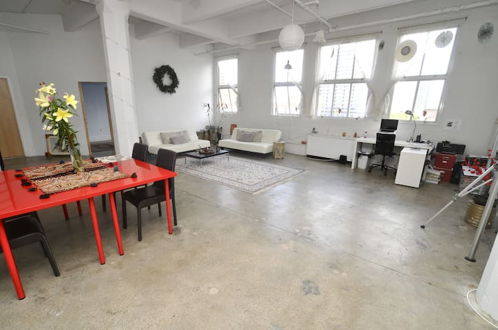1500sf 1BR Loft: Open Plan+NYC View - Jersey City - Loft