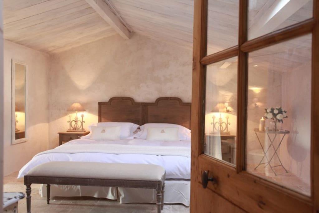 B b chambre romantique chambres d 39 h tes louer for Chambre d hotes cote d azur