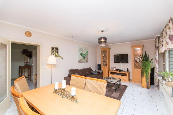 bright large apartment in Essen