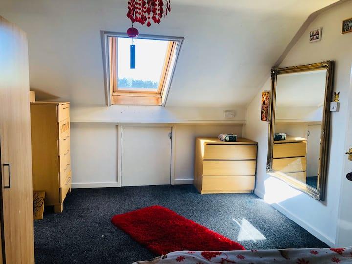 Large studio Flat to rent - long term preferable.