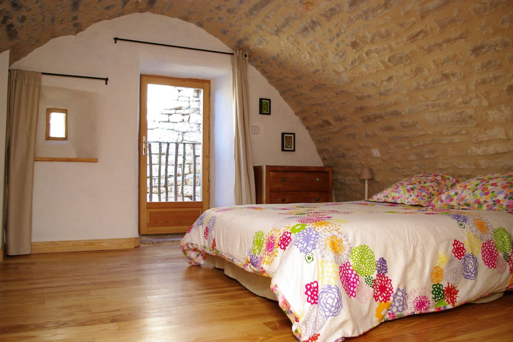 Gite des causses gorges et c vennes huizen te huur in saint bauzile languedoc roussillon - Foto keuken amenagee ...