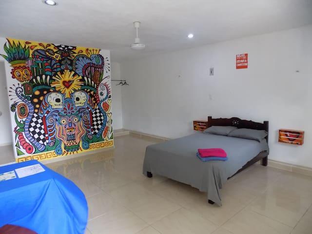 PULPO HOSTAL W/ POOL IN THE HEART OF VALLADOLID #5 - Valladolid - Hostel