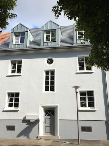 Wohnhaus Am Germanenplatz