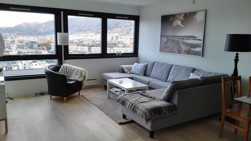 Modern Apt. Close to Center w Beds for 8! - Bergen - Lägenhet