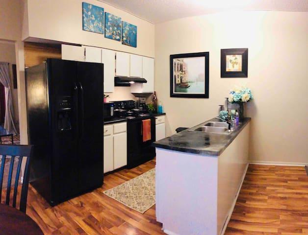 The Sadie Suite: A BEAUTIFUL 3 Bedroom! #4