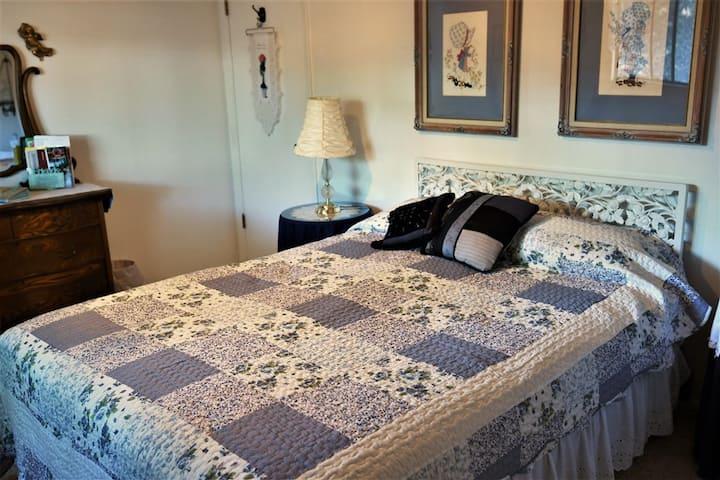 Quiet, peaceful, private room