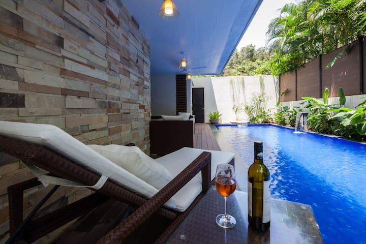 Frangipani Villa In Idyllic Laid Back Anjuna Goa