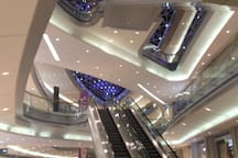 楼下KKmall商场