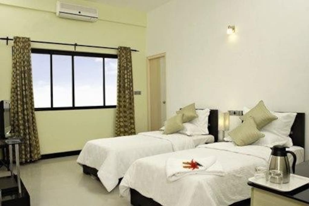 Executive Room with Twin Cots