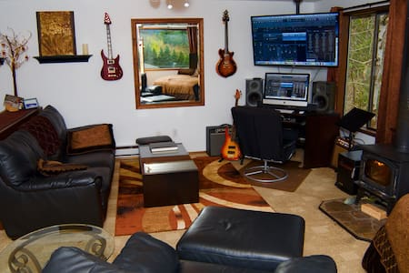 Snoqualmie Falls Studio - Snoqualmie