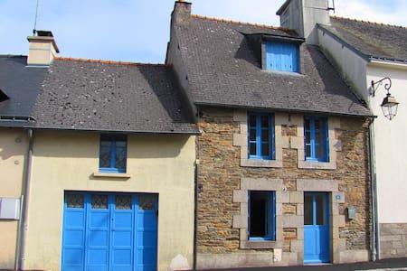 Maison Bleue - Josselin