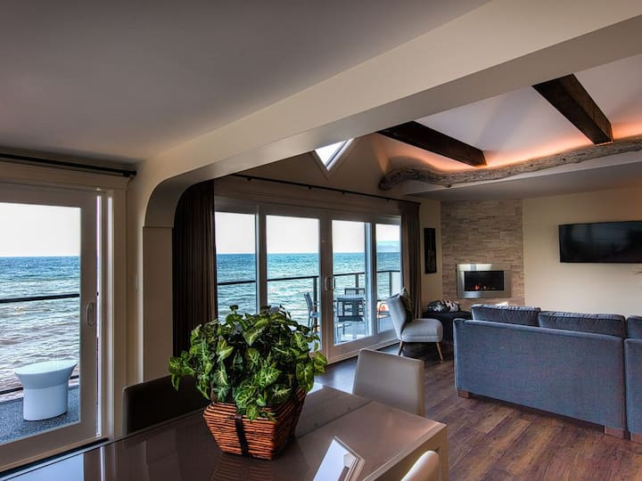 Luxury Oceanfront Suite #6