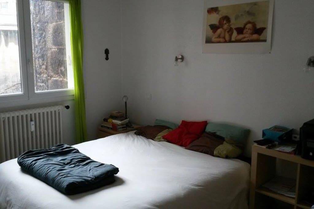 appartement hypercentre t2 meubl appartements louer saint tienne auvergne rh ne alpes. Black Bedroom Furniture Sets. Home Design Ideas