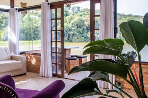 Chácara com vista linda para lago c/ lazer e wi-fi