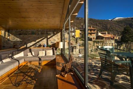 Casa torreón con vistas - Pardines