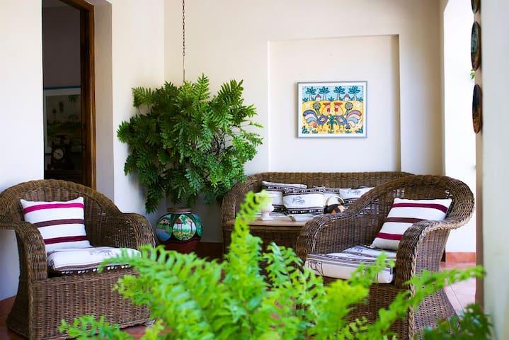 Casa Zule con jardín en miramar (2) - La Habana - Maison