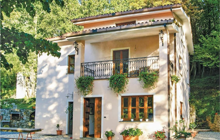 Holiday cottage with 5 bedrooms on 200 m² in Maratea PZ