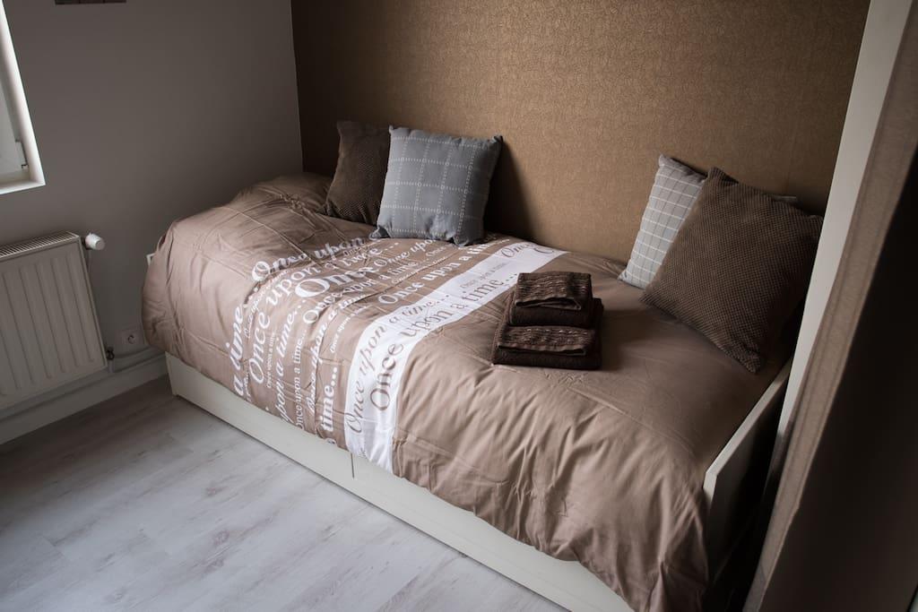 Lit tiroir peut être transformé en lit double