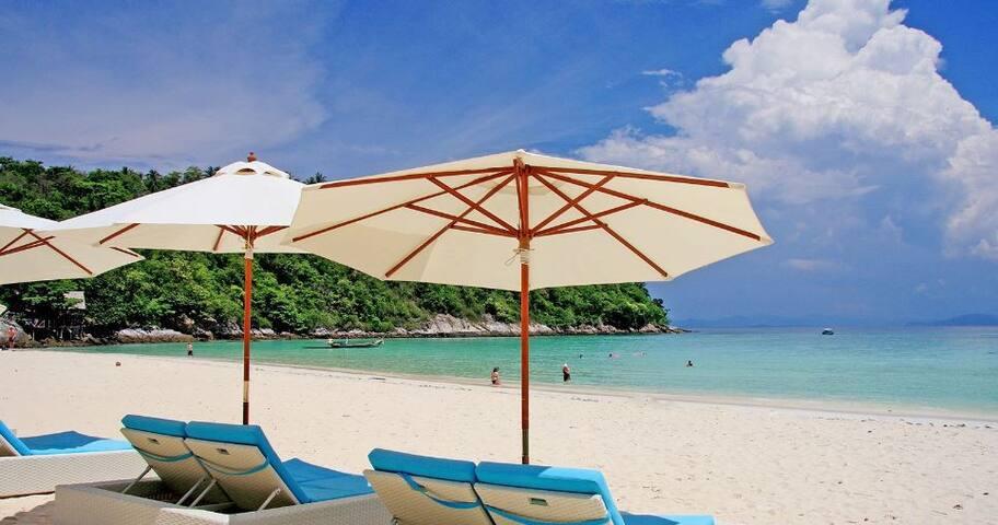 Rayaburi Resort, Racha ISLAND - Phuket - Bed & Breakfast