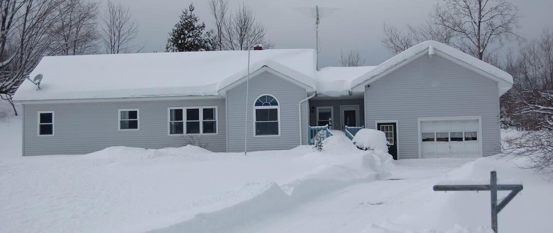 The Gray House - Marshfield