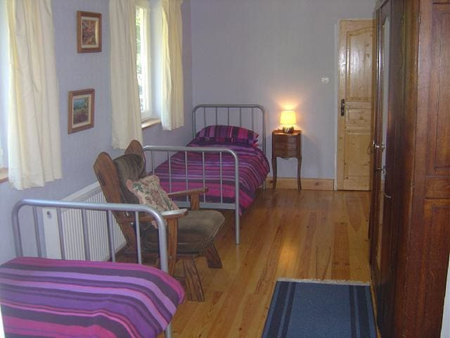 Bedroom 4..Ground Floor Twin Room - Hambye - Bed & Breakfast