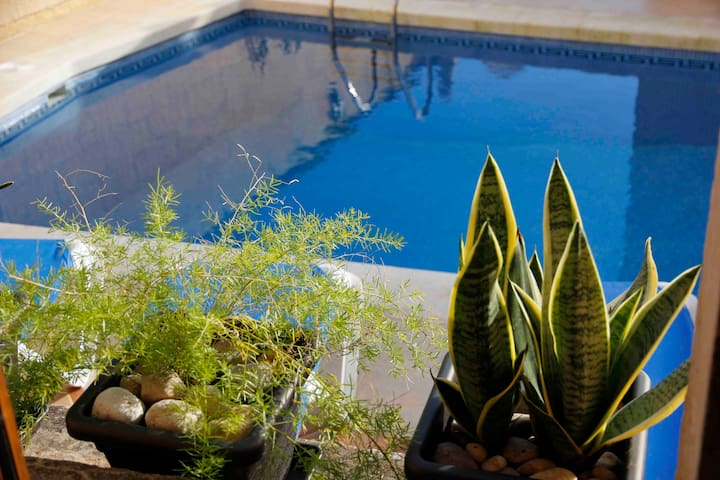 Gozo Farmhouse, Sleeps 9, Pool & AC - Xaghra - Ev