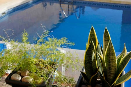 Gozo Farmhouse, Sleeps 9, Pool & AC - Xaghra