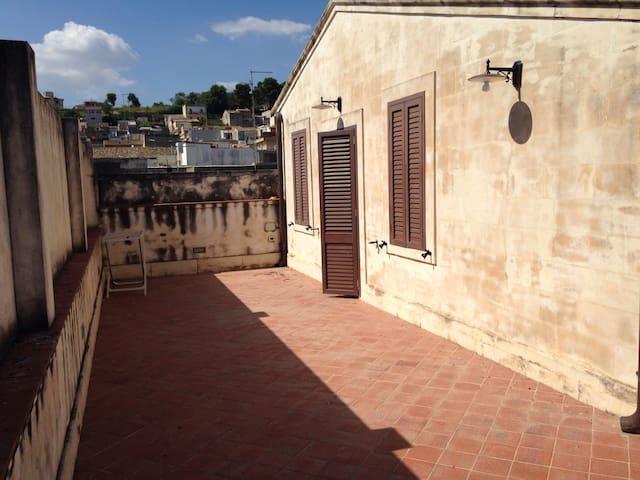 Mansarda centro storico - Canicattini Bagni